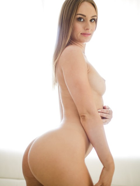 Daisy Stone