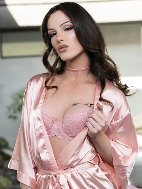 Carrie Emberlyn