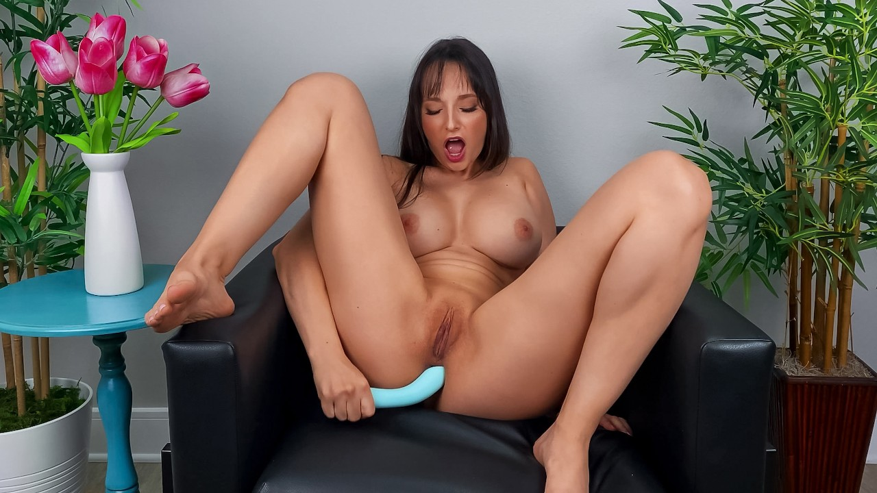 Lexi Wants You To Cum Over, Lexi Luna, [Brazzers]