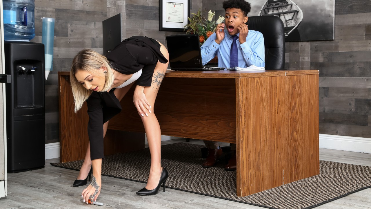 Slutty at Work, Chloe Temple, Lil D, [RealityKings]