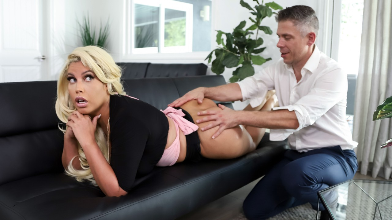 Dressed To Empress - Brazzers video