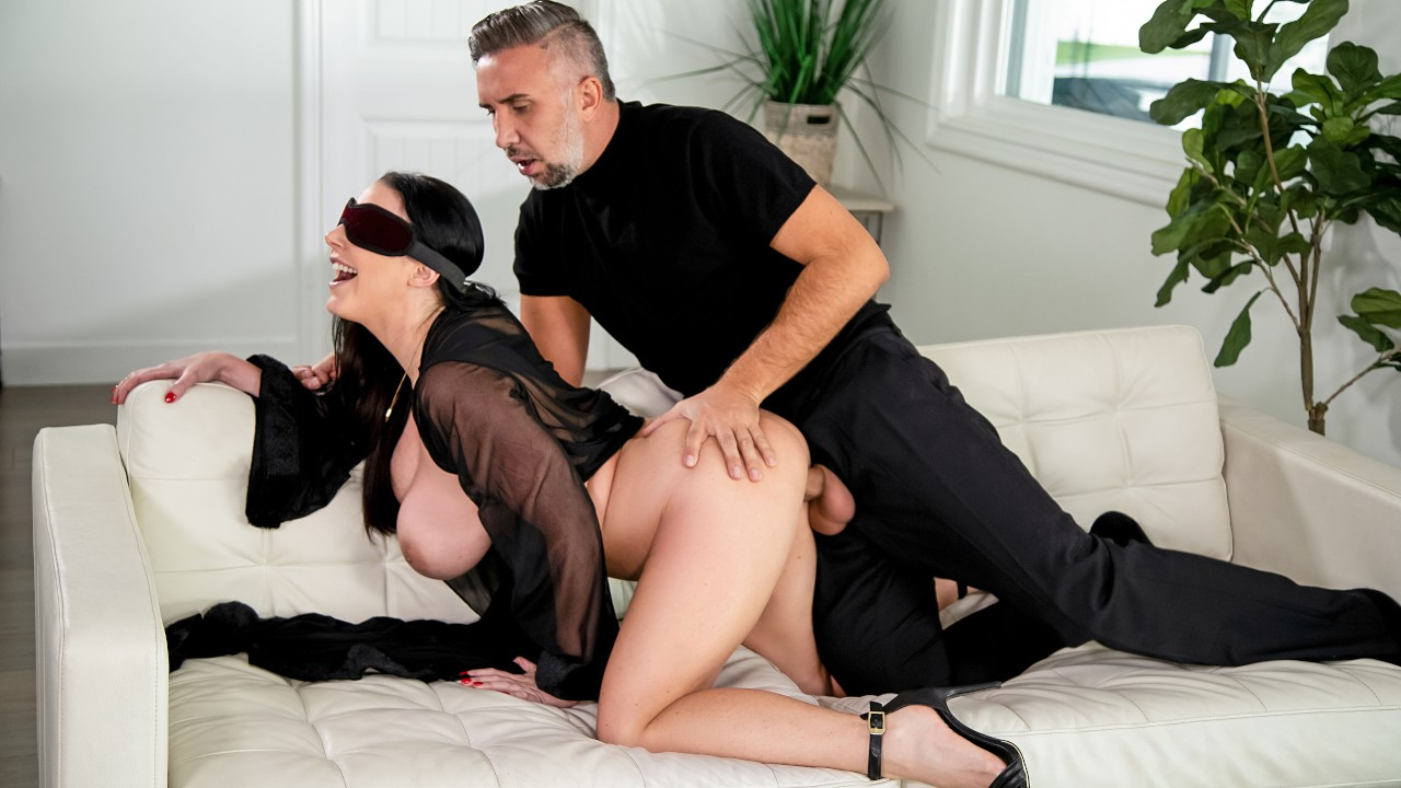Blindfolded Fantasy - Brazzers video