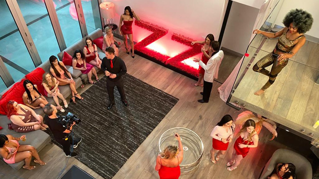 Valentine's Day Affair: Unseen Moments, Bunny Colby, Keira Croft, Scarlit Scandal, Aubree Valentine, [Brazzers]