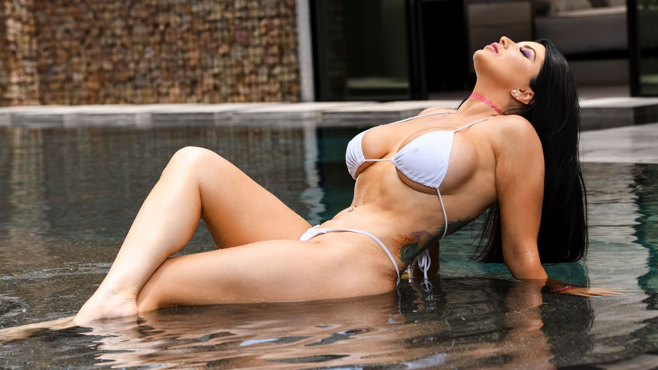 Pounded By The Pool, Romi Rain, Ricky Johnson, [Brazzers]
