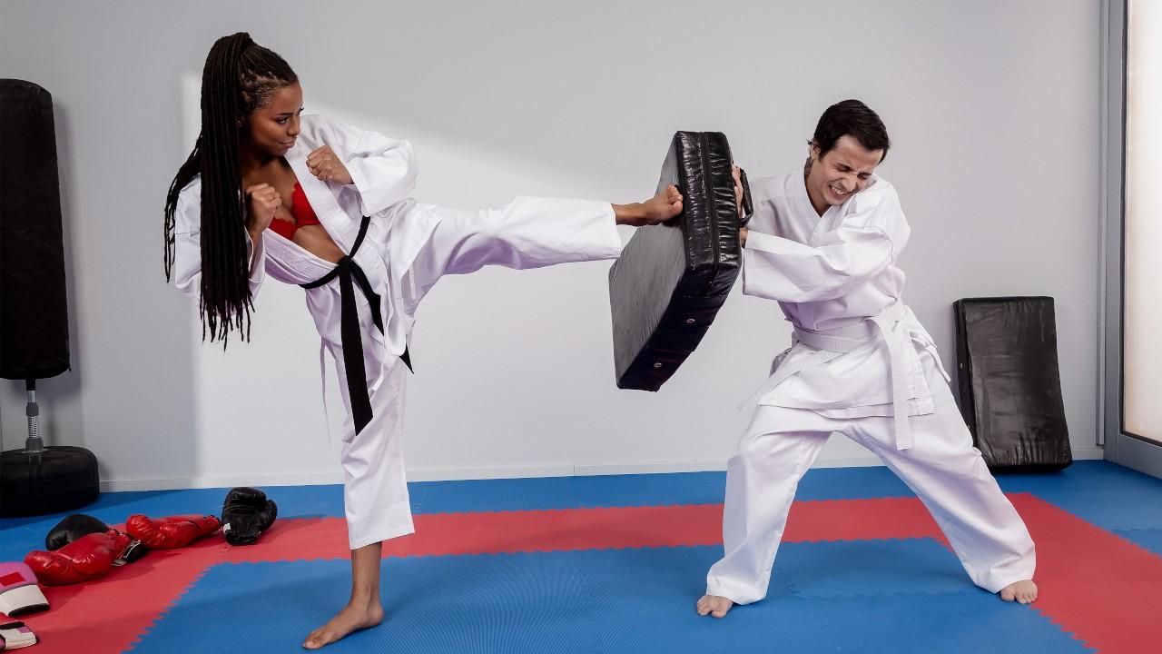 Fighting Foot Domination, Kira Noir, Ricky Spanish, [Brazzers]