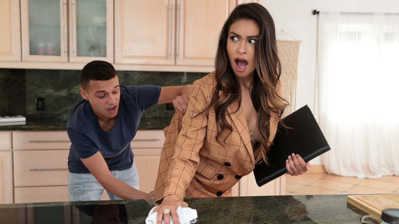 I'm Trying To Sell A House!, Katana Kombat, Johnny The Kid, [Brazzers]