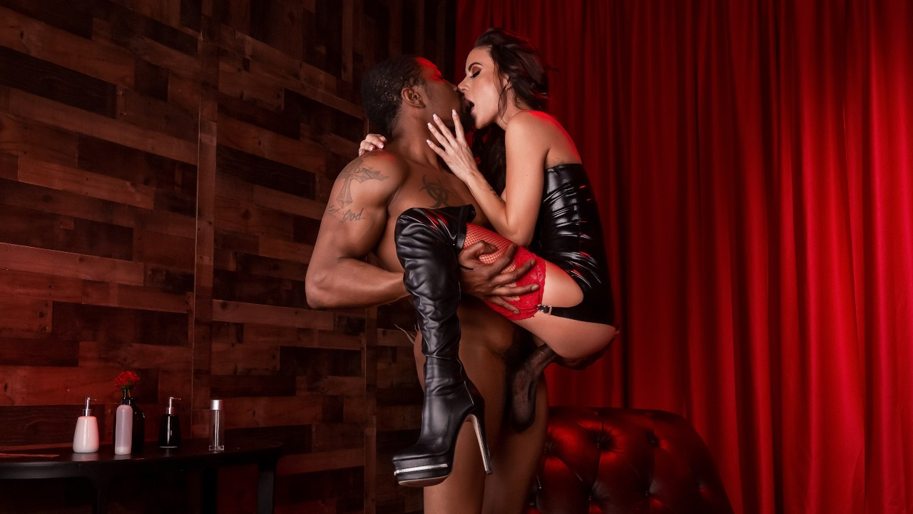 Red Light Romp, Gia Dimarco, Isiah Maxwell, [Brazzers]