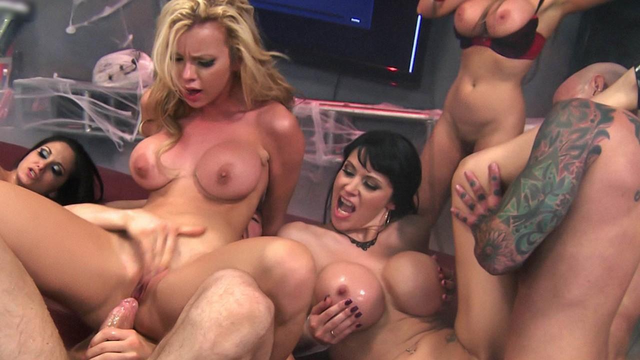 Shemale Female Anal Orgy