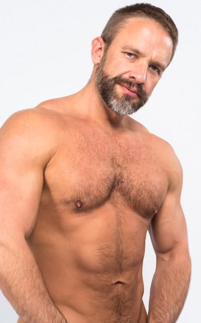 Dirk Caber - Icon Male