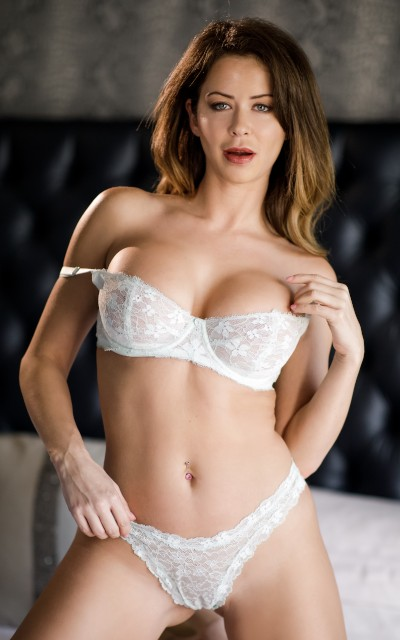 Watch Emily Addison Official Profile on RealityJunkies