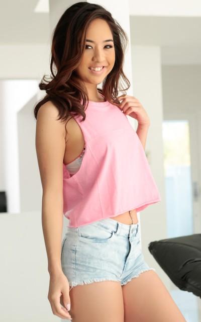 Watch Mila Jade Official Profile on RealityJunkies