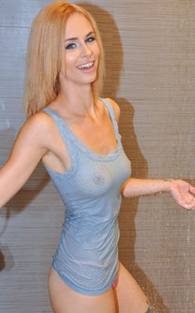 Lilli Dixon porn videos at cumfiesta.com