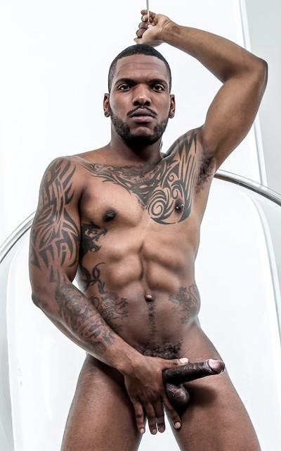 NoirMale model - Aaron Reese