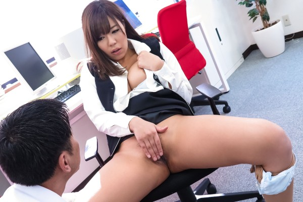 Erito porn - Doggystyle Alone in the Office