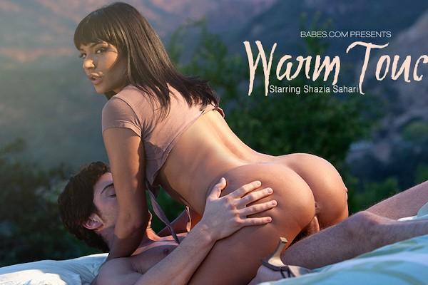 Warm Touch - Seth Gamble, Shazia Sahari - Babes