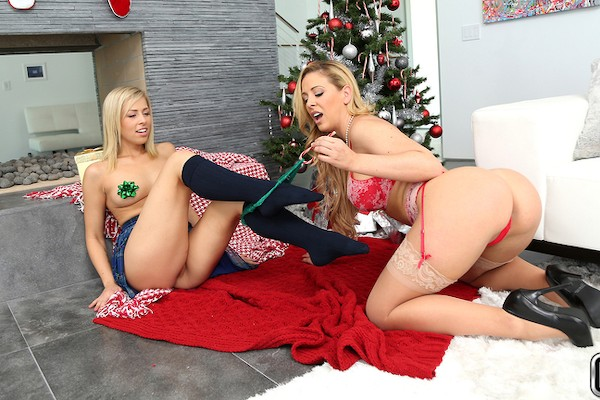 Pussy Love with Zoey Monroe, Cherie Deville at momslickteens.com