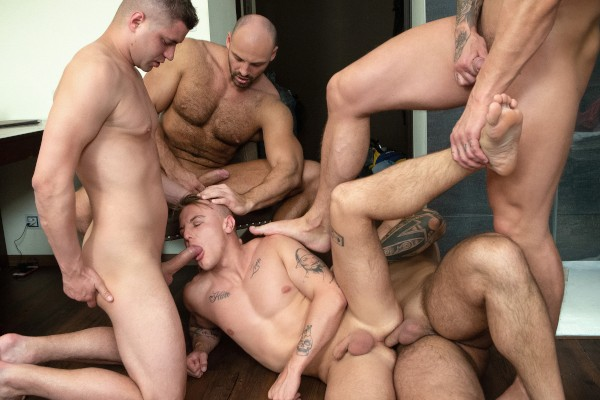 Watch Tomm, Luke, Rudy Valentino, Jerome in Bromo Train Bang