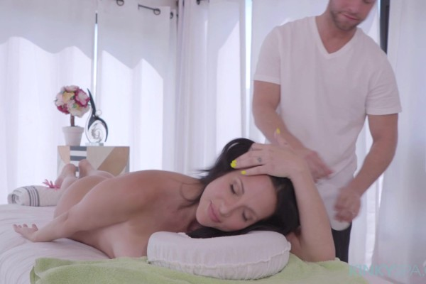Jaclyn Taylor fucks her masseur to get revenge on her cheating hubby