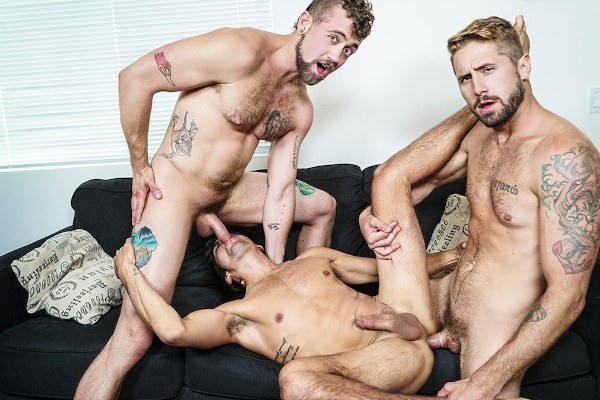Living That Ho Life Part 2 - feat Titus, Wesley Woods, Jay Austin