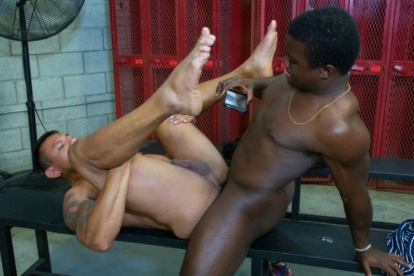 Dudes In Public 38 : Gym - Best Gay Sex