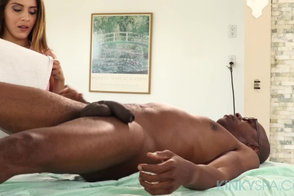 Latina masseuse Liv Revamped can't resist his BBC on her first day