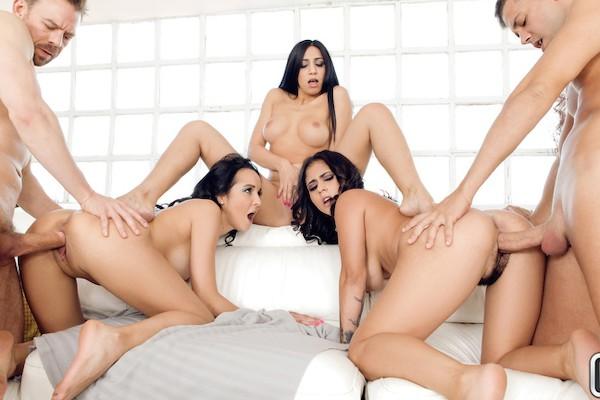Our Euro Sex Trip Julia De Lucia Porn Video - Reality Kings