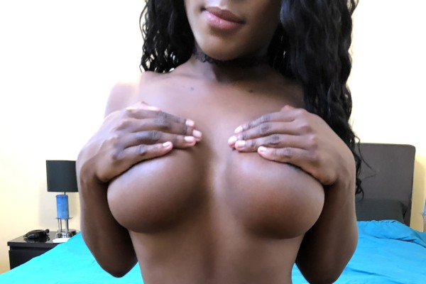 Black Girl With Big Tits and Belly Piercing Fucks Her White Boyfriend
