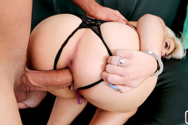 Round Rump On Rhonda JMac Porn Video - Reality Kings