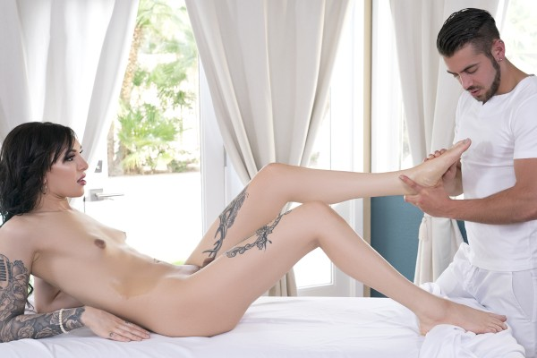 Watch Massaging Ryder featuring Dante Colle Transgender Porn