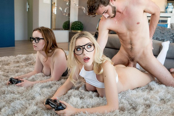 Three Player Game Lucas Frost Porn Video - Reality Kings