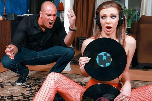 Vinyl Vixen Sean Lawless Porn Video - Reality Kings
