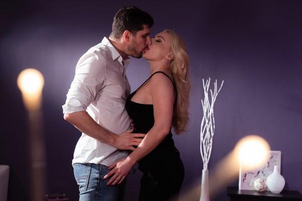Watch Kristof Cale, Elizabeth Romanova in Beautiful blondes creampie climax