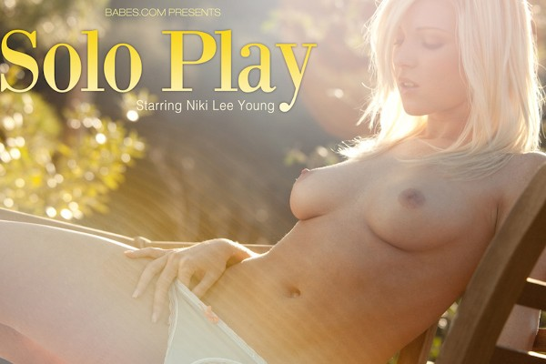 Solo Play - Niki Lee Young - Babes