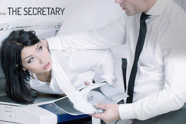 The Secretary - Rina Ellis - Babes