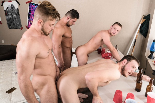Watch Levi Logging, Brandon Evans, Ryan Sparks in Simon Says