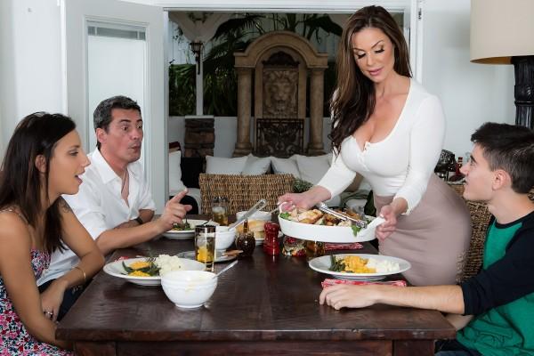 Kendra's Thanksgiving Stuffing feat. Jordi El Nino Polla - LilHumpers Scene