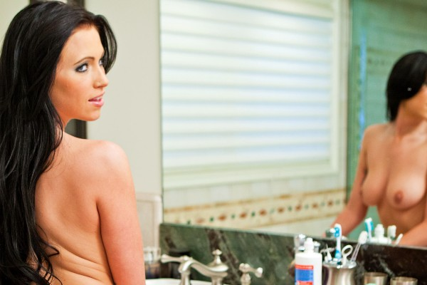 Watch Chloe James in Toilette Plunger Lover