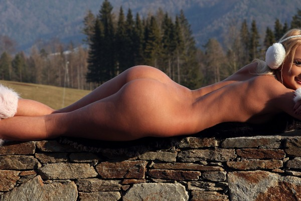 Watch Ivana Sugar in Spicing Up the View