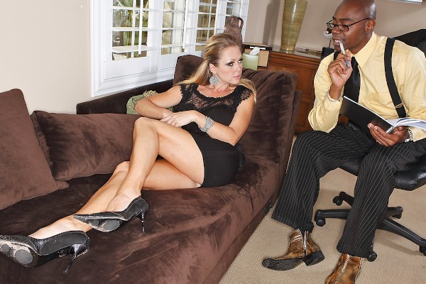 Watch Sean Michaels, Dyanna Lauren in Special Meat therapy