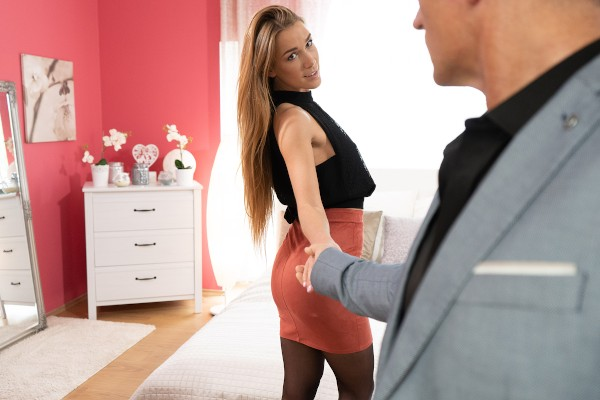 Czech beauty gets it hard and fast at SexyHub.com