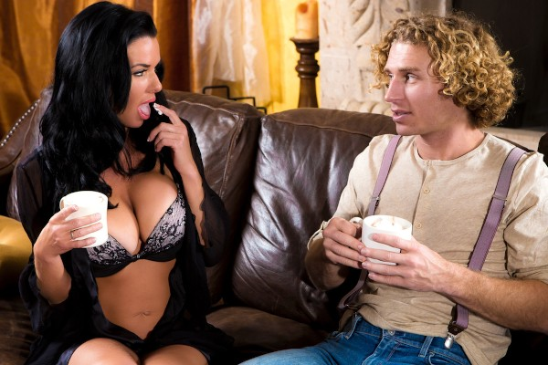Hot Cocoa - Michael Vegas, Veronica Avluv