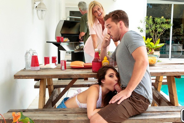 Cumming To The Cookout Quinn Wilde Porn Video - Reality Kings