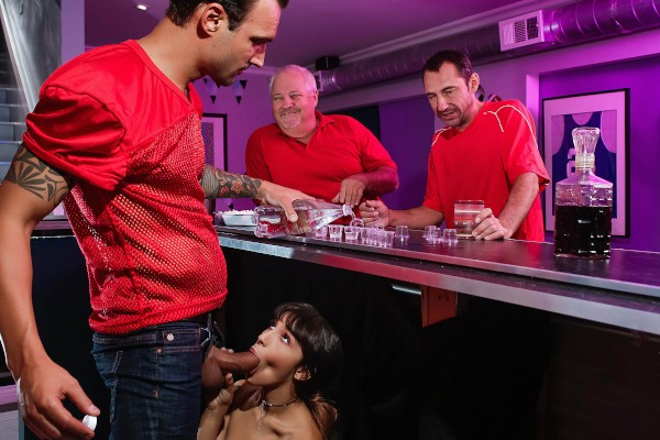 Serving A Dad And His Daughter Alex Legend Porn Video - Reality Kings