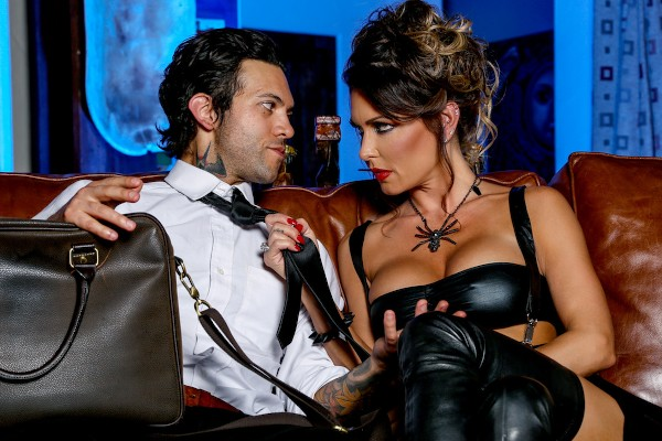 Hot Chicks Big Fangs 2 - Scene 1 - Jessica Jaymes, Small Hands