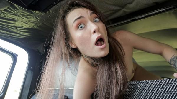 Tabitha Poison E746