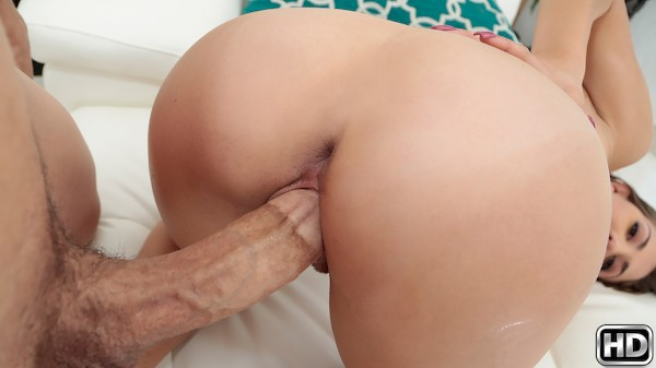 Newbie Gets Nailed Bruce Venture Porn Video - Reality Kings