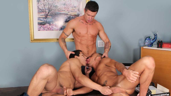 Enjoy Sniffers Reward on Twinkpop.com Featuring Tony Newport, Kirk Cummings, Trenton Ducati