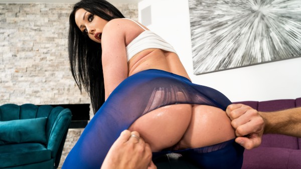 Giving Good Gape - Brazzers Porn Scene