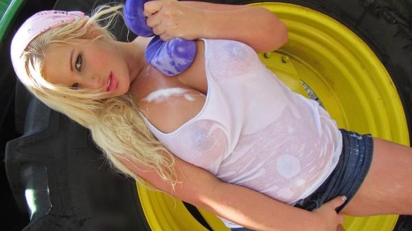 Watch Julie Cash in Big Soapy Tits