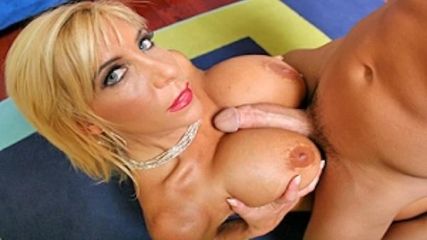 Busty cock craver - Brazzers Porn Scene